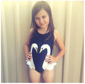 2017 Neonate Cute Cartoon Black Swan Pattern Costumi da bagno per un pezzo Kids Fashion Bikini Swimsuit Girl Swan Ruffle Costumi da bagno Beachwear