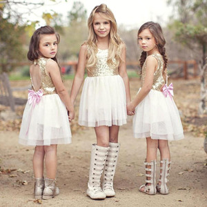 Mais barato 2017 Novo Estilo Bonito Country Flower Girls 'Vestidos Top Tulle Vestidos Bonito Oco Voltar Meninas Vestidos de Festa de Casamento MC0644