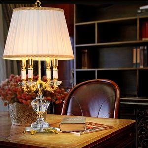 Europäische Kristall Tischlampe Schlafzimmer Nachttischlampe Gehäuse Lampe Luxus großes Wohnzimmer Prinzessin gehobene Villa Hotel Culb Kristall Lichter