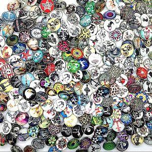 Wholesale lotes a granel estilos de mistura gengibre 18mm vidro redondo snap jóias chantinas charmas snaps Botão para Nosa estilo