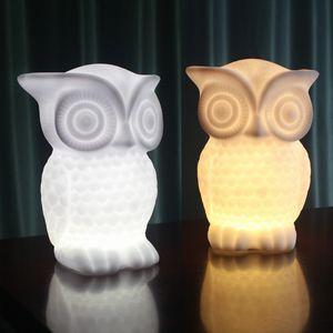 Búho Luz de Luz Nocturna Decorativa Lámpara de Mesa Dormitorio Temporizador Lámpara Suave Regalo de Dibujos Animados Familia Niño Dormir Luz AAA Batería ZJ0496