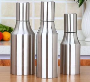 Yeni 500 ml / 750 ml Paslanmaz Çelik Zeytinyağı Dağıtıcı Şişe Yağ Pourer Sızdırmaz Mutfak Yağı Için Zeytin Sirke Sosu Mutfak Aracı Sirke