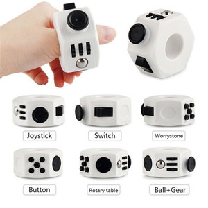 Nuevo Magic Fidget Cube 6-Side Fidget Ring Ansiedad Stress Relief Juguete ABS Descompresión Juguete Divertido juego Dedo Gyro Mano Spinner Anillo Forma