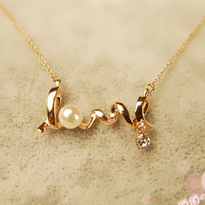 Wholesale-XS005 Clavicle Women Necklace LOVE Letters Simulated Pearls Crystal Pendant Colar Everyday Wear Fashion Jewelry Minimalist