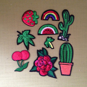 10 pcs Rose Flor Rainbow Cactus Ferro Em Patches Glitter Bordado Lantejoula Patch Para Roupas Casaco Parches Patchwork Tecido Apliques DIY