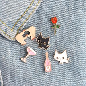 Solapa Pin Broches Insignia Champagne Coupe platillo Rose Flower Love Heart Blanco negro Cat Shaped Women Jewelry Accesorios de la ropa