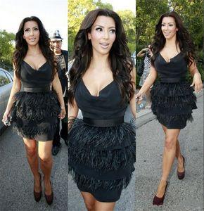 Kim Kardashian Siyah Devekuşu Tüy Kokteyl Elbiseleri Kısa Seksi Elbiseler Parti Akşam Göz Yakalamak Derin V Boyun Ünlü Önlükler