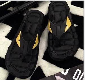 2017 Monstro do Olho de Verão dos homens sapatos chinelos para homens solto-encaixe chinelos de praia, chinelos de borracha ao ar livre homens massagem sandálias
