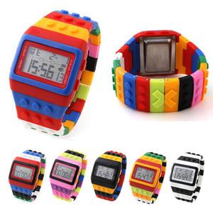 Orologio variopinto di Digital del silicone della ragazza del ragazzo LED della ragazza del bambino di progettazione variopinta di modo