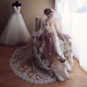 Дешевые 3 м стразы свадебные вуали с кружевной аппликацией края бисером длинные собор длина вуали один слой тюль фата