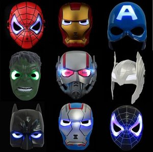 LED Flash Mask Bambini Halloween Maschere Incandescente maschera di illuminazione Avengers Hulk Capitan America Batman Ironman Spiderman Party Mask nave libera