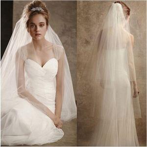 Novas véus de noiva românticos com Edge Cut 2 camadas moles Tulle Branco / Acessórios de casamento do marfim Stock Véu de casamento elegante com Comb