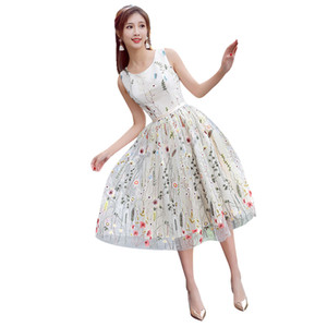Yeni Coming Garden Kanat Renkli Organze Kısa Homecoming Elbise A Hattı Custom Made Scoop Çiçek İşlemeli Kokteyl Elbiseleri Rahat Modern