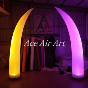 프랑스 결혼식 사건을위한 매력적인 다채로운 RGB 조명 곡선 팽창 식 콘은 기본 송풍기와 먼으로옵니다