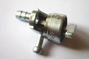 Yakıt musluğu / Yakıt musluğu / Mitsubishi GT600 GM182 GT240 GT241 GT400 motor için yedek parça motor yedek parça