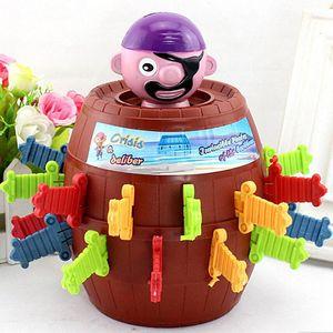 2016 Drôle Nouveauté Enfants Enfants Drôle Chanceux Jeu Gadget Blagues Tricky Pirate Barrel Jeu Jouets Cadeau pour enfant