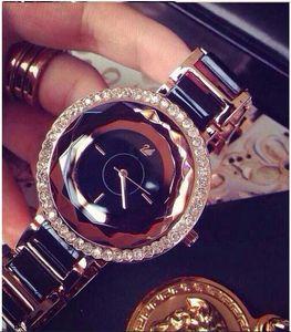 Retro kuvars kadınlar elbise saatler elmas kadın taklidi saatler cenevre gümüş bilezik bayan kol saati