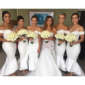 Lindo blanco alto bajo vestidos de dama de honor sexy fuera del hombro sirena hasta el tobillo vestidos de dama de honor para bodas de verano 2017