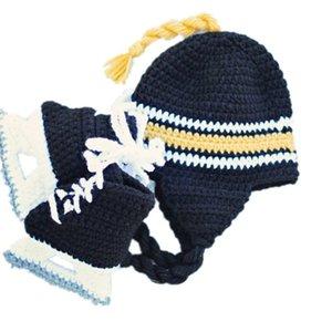 Nouveau-né Équipe de Hockey Costume Crochet À La Main Bébé Garçon Fille Casque De Hockey Chapeau Skate Booties Set Infant Toddler Photo Prop Baby Shower Cadeaux