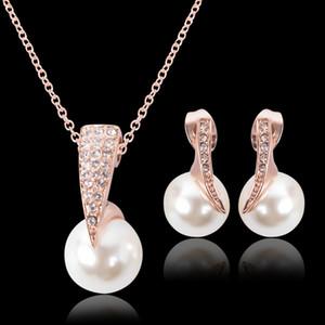 Bridal Jewelry Set Wedding Fashion Rhinestone di cristallo Collana di perle pendenti Orecchino Perle per ragazze da donna Set di gioielli da damigella d'onore