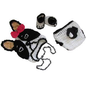 Crochet Baby Bulldog Costume, tricot à la main bébé fille Bulldog chiot avec noeud rouge, couvre-couche et chaussons ensemble, nourrisson nouveau-né Photo Prop
