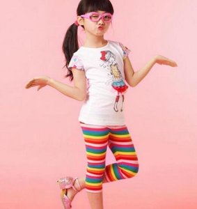 2017 Free shipping! Fashion pop cotton wholesale girls leggings children summer rainbow stripe leisure shorts fashion