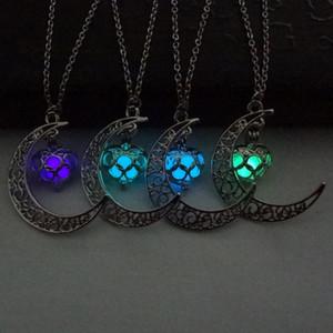 All'ingrosso- Moda luminosa bagliore nel buio collane pendenti Sailor Moon collane per donne Collana cuore T4358