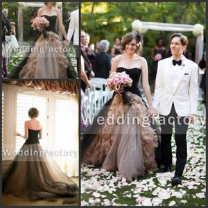 2020 Fabulous Champagne Black Gothic Wedding Dress Ball Gown A Line Strapless Ruffles Tulle Zipper Back Sweep Train Vintage Bridal Gowns 436