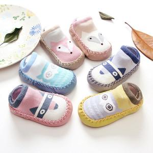 2017 niños primavera nueva historieta zorro bebé primeros caminantes zapatos de bebé de algodón antideslizante niño calcetines bebé calcetines
