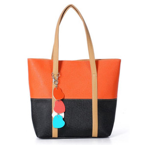Newest Design Fashion Shoulder Bags Leather Two-tone Handbags For Women,PU Leather Peach Lady Heart Pendants Totes Cheap Women
