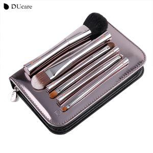 Ducare 6pcs Spazzola per trucco Set di spazzole di lusso Con la borsa I pennelli più belli e più stupefacenti Spazzole essenziali per la bellezza