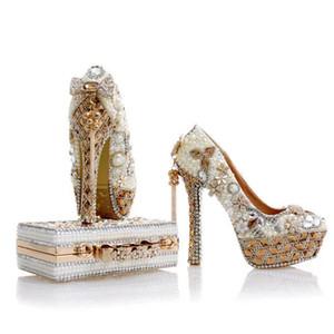 2017 nouvelle conception blanc perle chaussures de mariage avec sac correspondant magnifique à la main hauts talons femmes cristal chaussures de mariée