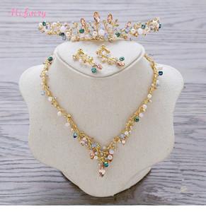 Vintage Baroque Bridal Tiaras Sets Gold Bunte Kristalle Prinzessin Headwear Atemberaubende Hochzeit Tiaras Ohrringe 2 Stück Sets 13,5 * 3,5 cm H79