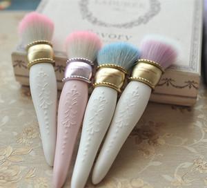 Sıcak satmak les Merveilleuses LADUREE Yanak / Toz / Vakıf Fırça Cameo Porselen Tasarım-Güzellik Makyaj Blender Fırçalar Araçları dropshipping