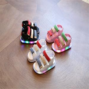 2017 Été Led Chaussures Légères Enfants Sandales Garçons Filles Crochet Boucle Lumineuse Sandales Enfants Bébé Chaussures Lumineuses