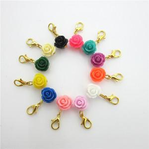 120 unids Mix 12 Colores flores de color rosa Encantos Cuelgan Colgantes Encantos DIY Pulsera Collar Accesorio de La Joyería Broche de langosta encantos flotantes