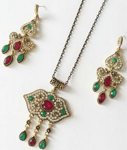 New Bohemia Stone Jewelry Bucolico ZInc Ornamenti in metallo stile sollievo Collana geometrica con orecchini in filigrana floreale Set di gioielli