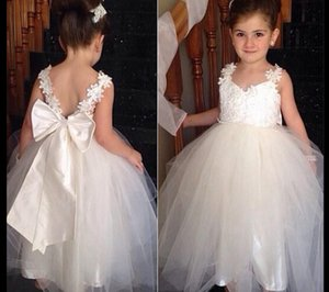 Vintage Lace Flower Girl Dresses 2020 Cheap White Spaghetti Straps Applique Tulle Corset Backless Birthday Christmas Girls Dress With Bow
