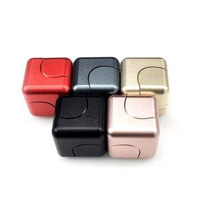 جديد سبيكة مكعب الإصبع الدوران زوبعة مربع مكعب تململ سبينر edc الضغط اللعب اليد سبينر فنجر سبينر مكافحة الإجهاد لعب