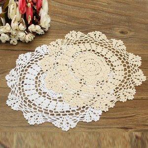 Wholesale- 2 Farben 30cm Pastoral Runde Hand gehäkelte Baumwolle Deckchen Blumen-Form Tischset Untersetzer Tisch Dekorative Gadgets Haushaltsartikel