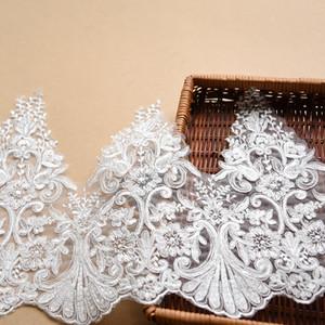 Verkauf von Yard weiß Französisch Brautschleier Stickerei Lace Fabric Trim Hochzeitskleid Wimpern Lace Ribbon Nähzubehör 30cm breit
