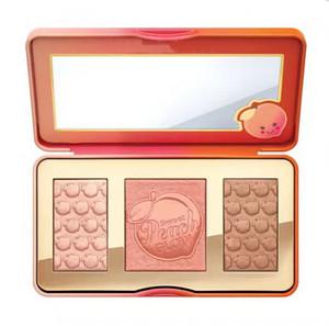 Spedizione gratuita ePacket! Evidenziatori Bronzers di Peach Sweet Glow infusi arrossiscono tavolozza