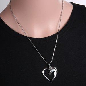 collar de las mujeres de moda nueva joyería chapada en blanco K Horse en corazón collar colgante de collar para las mujeres niña regalos de la madre