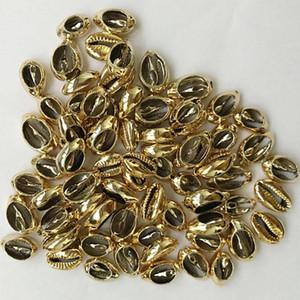 20pcs / lot Goldsilberne Farbe Shell bördelt Kauri DIY lose Korne für die Schmucksachen, die Cowry Anhänger-Halsketten-Armband-Zusätze herstellen