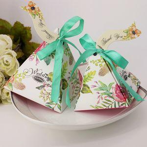 100pcs bonbons bonbons triangle avec des rubans boîtes de faveur de mariage parti fournitures sacs boîtes de cadeau de mariage sacs