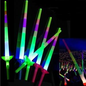 Glow Stick LED Tiges colorées led clignotant Épée lumière applaudissements Disco lueur baguette Soccer Music concert Cheer les accessoires prix cadeau