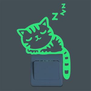 도매 - 귀여운 크리 에이 티브 고양이 어둠 속에서 빛나는 Noctilucent 광선 스위치 벽 스티커 홈 장식