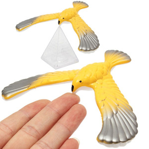 1 pcs Incrível Águia Mágica Caixa de Exibição de Mesa Decoração Boneca Balanceamento de Pássaro Novidade Divertido Brinquedo de Aprendizagem Ano Novo Bset Presente para Crianças Kid