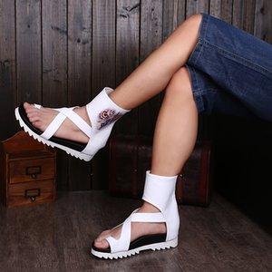 2017 Moda Verano Toe-Knob Hombres Sandalias Gladiador Hombres Verano Motocicleta Botas Blanco Talones abiertos Zapatos de Hombre Sandalias de Playa Talla 38-46