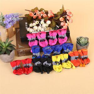 Atacado - Mais recente botas de chuva cão sapatos impermeáveis sapatos fechados botas pet impressos anti-derrapante sapatos 3 cores IA030